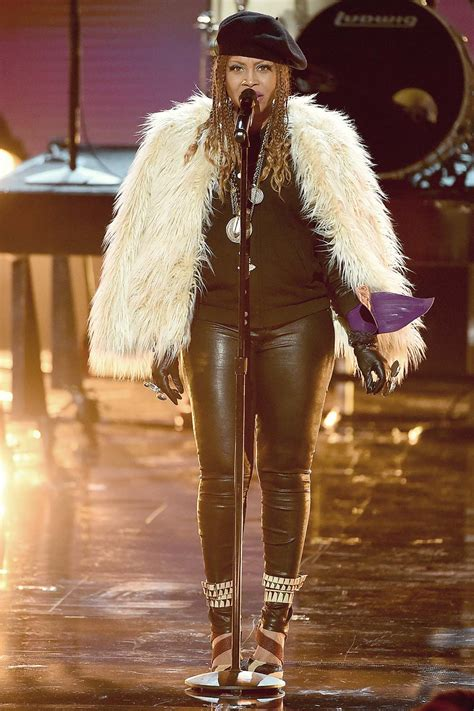 erykah badu performs onstage    bet awards