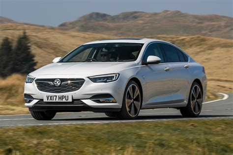 Vauxhall Insignia range boosted with new petrol engine ...