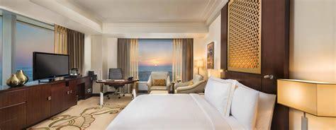 chambre d hotel dubai h 244 tels de luxe 224 duba 239 conrad dubai