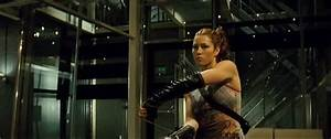 Top 10 GIFs of women who kick a** in film - Page 2