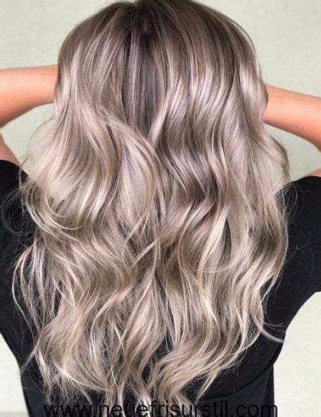 haarfarbe grau blond grau und beige balayage hair haare balayage haarfarbe