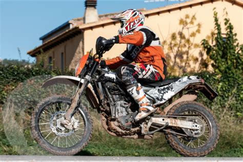 Yamaha Fino 125 4k Wallpapers by Ktm Ecco La Prima Foto Della Nuova 690 Enduro R