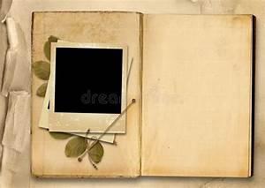 Album Photo Polaroid : vintage photo album with old photo frame stock illustration illustration of creative frame ~ Teatrodelosmanantiales.com Idées de Décoration
