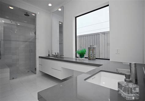 Graues Bad by 20 Bathrooms That Showcase Minimalist Design
