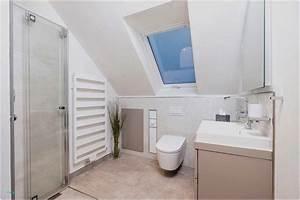Große Fliesen Kleines Bad : schmales bad mit dusche ~ Sanjose-hotels-ca.com Haus und Dekorationen