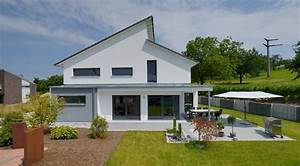 Haus Mit Pultdach : modernes haus mit versetztem pultdach h user pinterest ~ Lizthompson.info Haus und Dekorationen