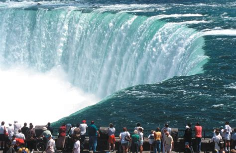 niagara falls canada tourist ontario attraction things wonders tours