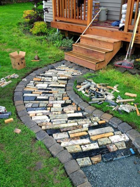 creer le  beau jardin avec le gravier pour allee