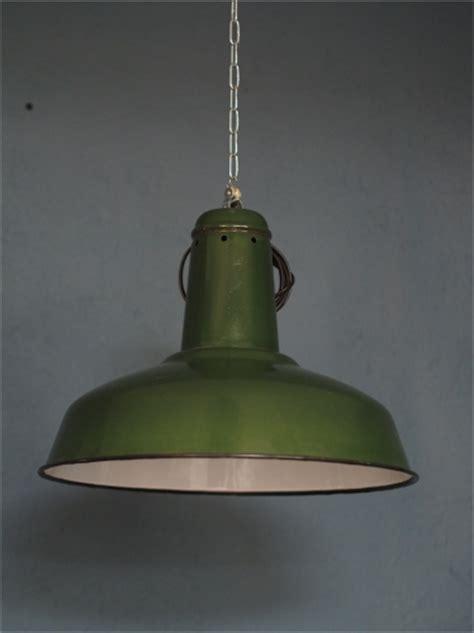 abat jour cuisine suspension gamelle abat jour emaillee vert le