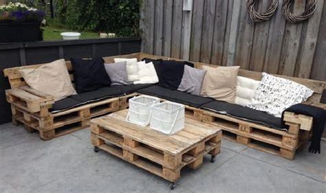 canape angle jardin comment fabriquer un fauteuil en palettes