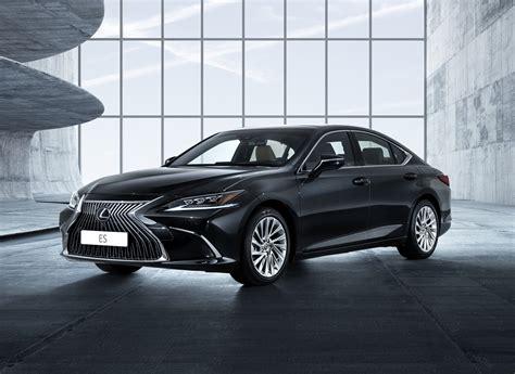lexus es  luxury sedan launched  rs  lakh