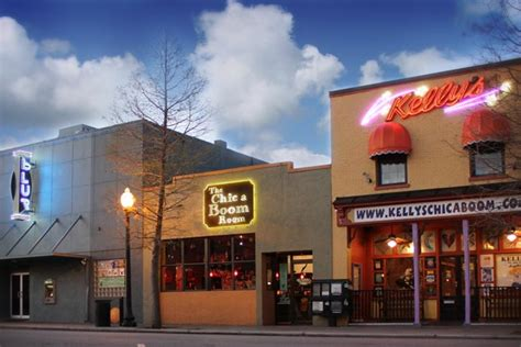 Kelly's, The Chic-a-boom Room & Blur In