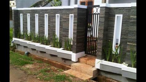 Model pagar minimalis sederhana ini menggabungkan material besi dengan tembok untuk mengimbangi komposisi pagar agar terlihat. Pagar Tembok Minimalis Terbaru 2016 - YouTube