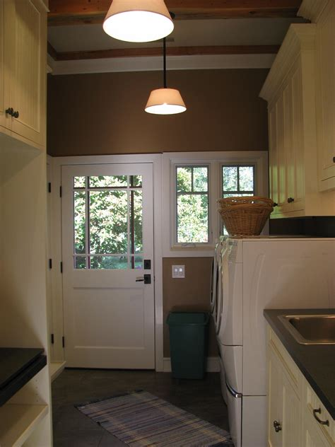 remodeling   bungalow mudroom  laundry room