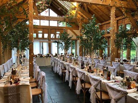 wedding breakfast exclusive venue  oak tree  peover