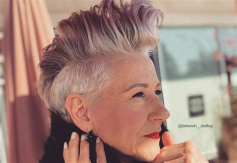 39 Youthful Short Hairstyles For Women Over 50 (with Fine
