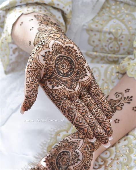 pin  pigment  hugh  mehndi madness henna henna