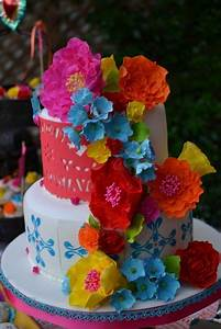 Bright and beautiful wedding cake