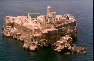 Isla de Alhucemas Militar, sí y a mucha honra