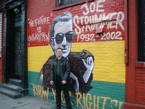 joe strummer mural east joe strummer r i p again forgotten new york