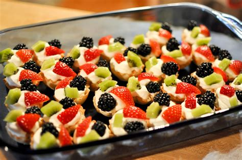 The delicious collection of bright these phyllo cups with fruit only take about 15 minute to make. Bless This Food: Phyllo Fruit Cups