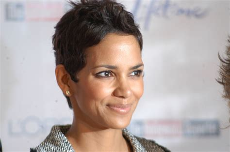 Halle Berry Perfect Summer Hairstyle Short Hairstyles