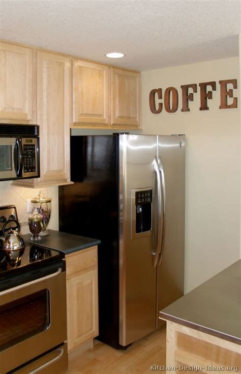 Coffee Themed Kitchen Could Do This Above The Cabinets