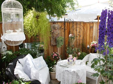 cottage style 101 with hgtv embrace your inner brit with shabby chic hgtv