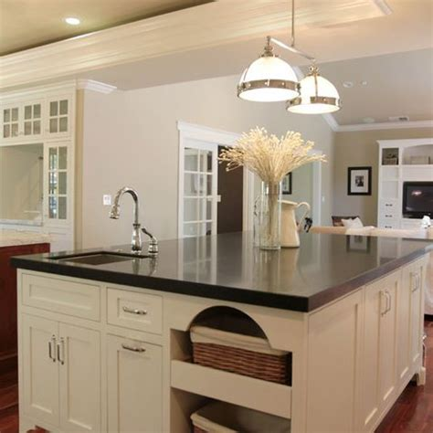 white kitchen cabinets pictures 26 best kitchen images on traditional kitchens 1360