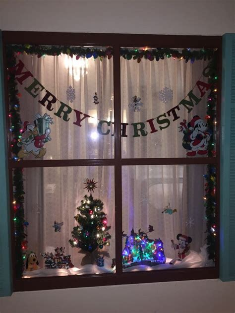 When Do Disney Hotels Decorate For - best 25 disney window decoration ideas on