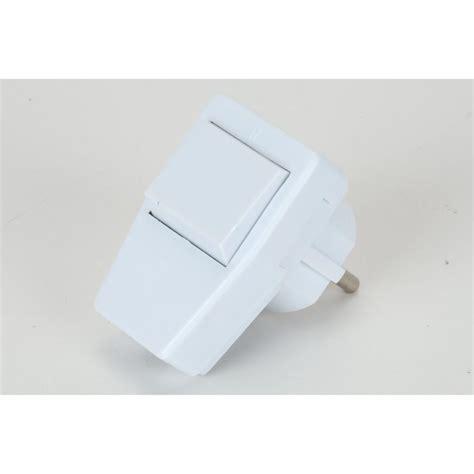 16a stecker mit schalter schuko winkelstecker wei 223 mit schalter schutzkontakt stecker schukostecker 16a