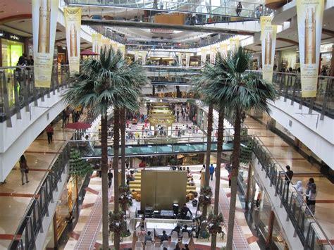 mengenal sekilas tentang desain mall pusat perbelanjaan