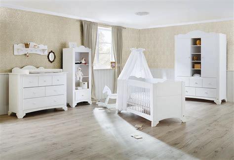 chambre bébé pinolino pinolino chambre bebe pino lit commode à langer