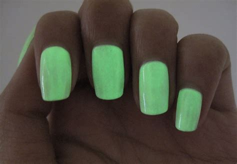 U Can Make Glow In The Dark Nail Polish By Cracking And