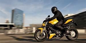 Moto De Ville : moto paris le guide de survie la poign e dans l 39 angle ~ Maxctalentgroup.com Avis de Voitures