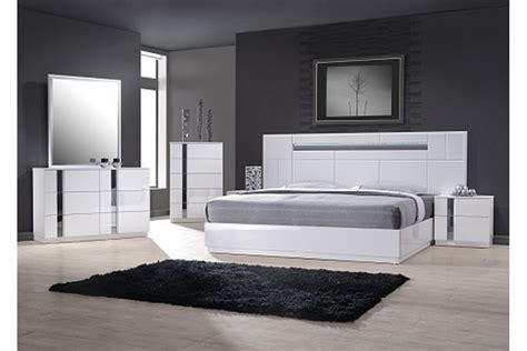White Bedroom Set by Bedroom Sets Palermo White King Size Bedroom Set