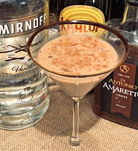 Now let's make this easy tiramisu without mascarpone! Tiramisu Martini | Recipe in 2020 | Cocktail desserts, Coffee flavor, Tiramisu martini