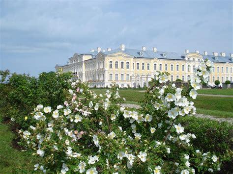 Rožu dārzs - Rundāles pils