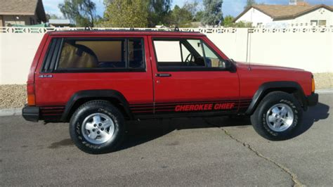 jeep cherokee chief xj rustfree rare amc xj cherokee chief 2 door 4x4 no reserve