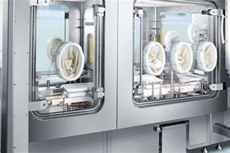pharmaceutical isolators  filling applications