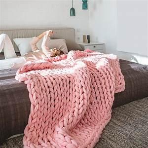 Plaid Grosse Maille Laine : tendance tricot les plaids xxl tricot crochet et deco chambre ~ Teatrodelosmanantiales.com Idées de Décoration