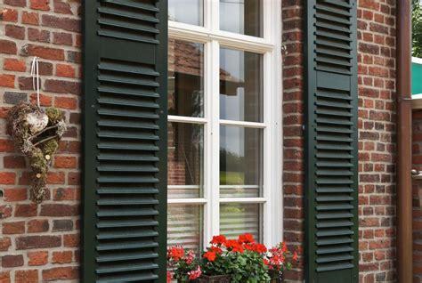 Fenster Sichtschutz Sprossenfenster by Holzfenster In Geradliniger Ausf 252 Hrung