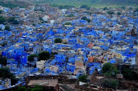 what color is 別名 ブルーシティ 目が覚めるブルー インドの青い街 ジョドプール naver まとめ