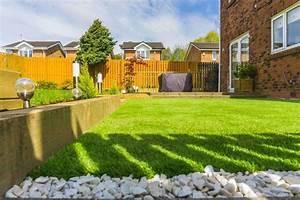 Aspirateur Pour Gazon Synthétique : le gazon synth tique solution pour un jardin toujours vert super d co ~ Farleysfitness.com Idées de Décoration