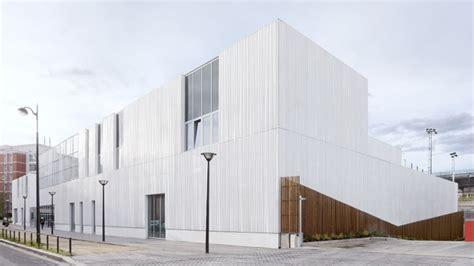 cette salle de sport parisienne cumule les prix d architecture