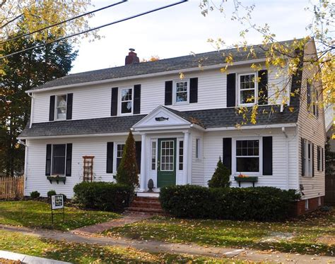 updating a 1930s colonial gambrel in maine before and after