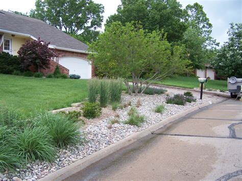 what can i use instead of mulch learn what kind of rock mulch is best grimm s gardens
