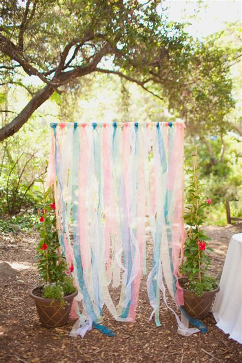 Backdrop Outdoor by 9 Sweet Ceremony Backdrops For Outdoor Weddings