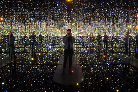 infinity mirrored room  yayoi kusama  visitors