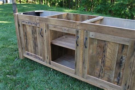 Diy Rustic Bathroom Vanity Plans by Diy Rustic Pallet Vanity Paneled Doors Pallet Furniture